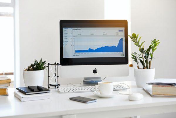 Financial advisor for stock options