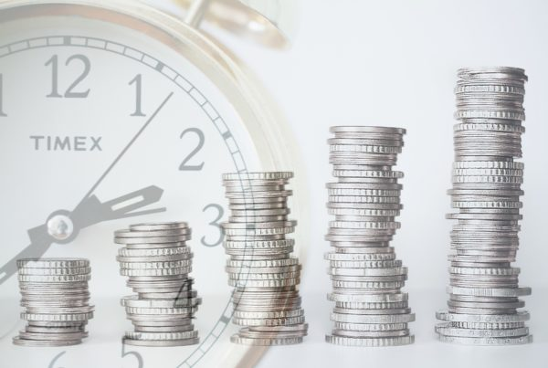 Is it worth it to work with a financial advisor?